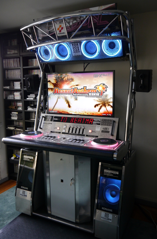 Side view of my beatmania IIDX machine running Resort Anthem
