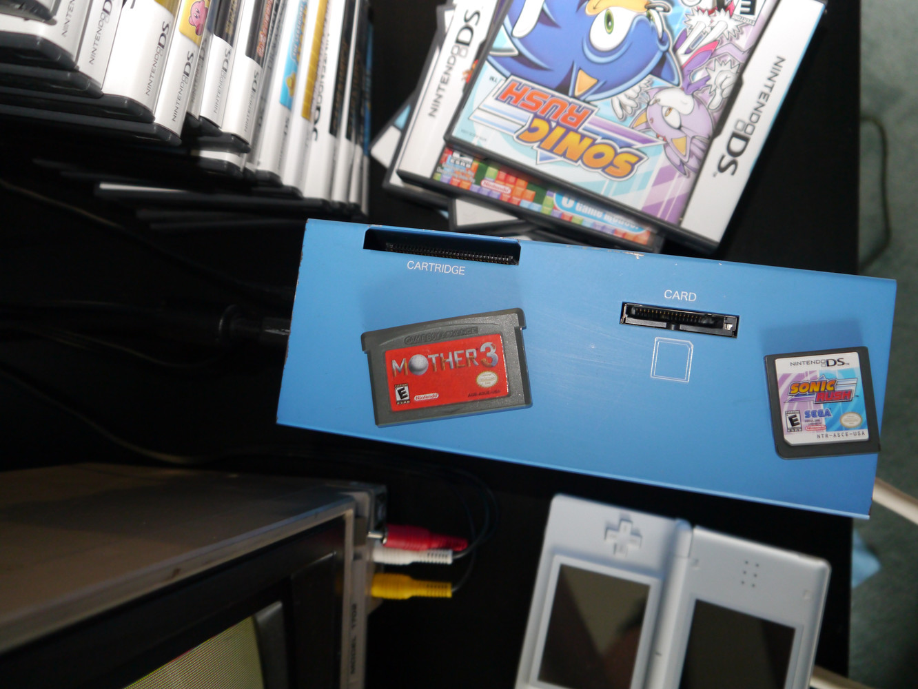 Nitro Capture unit (top) with Mother 3 and Sonic Rush carts