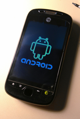 Android 2.2 boot logo on my restored handset.